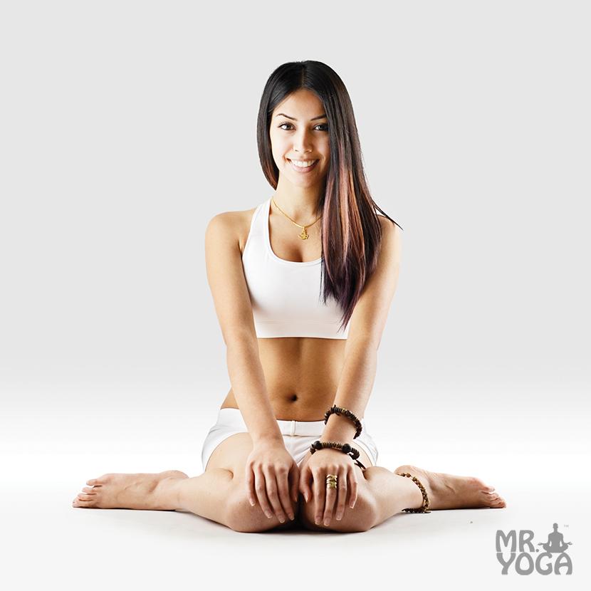 Yoga-Pose-Complete-Thunderbolt-Pose-Paripurna-Vajrasana