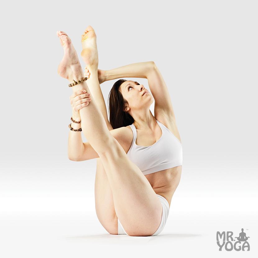 Yoga-Pose-Revolved-Boat-Pose-Parivritta-Navasana